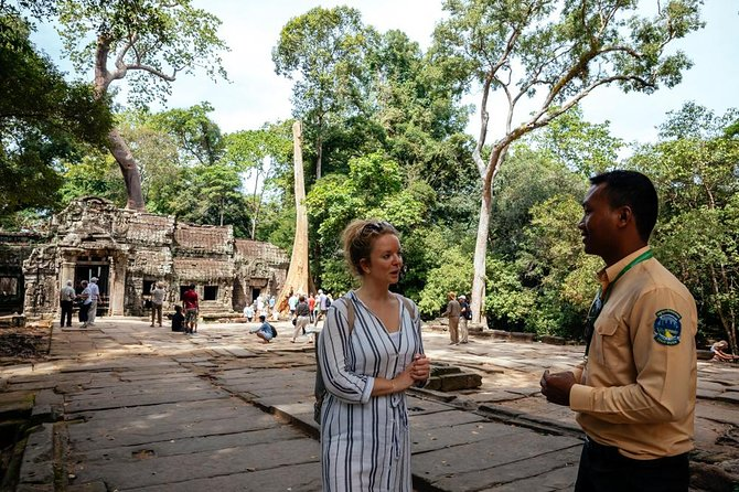Private Day Trip to Angkor Wat with a Local photo 1
