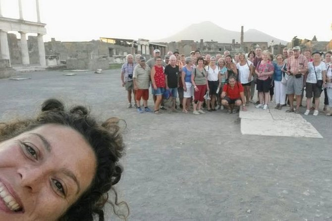 Tour Guided by an Archaeologist