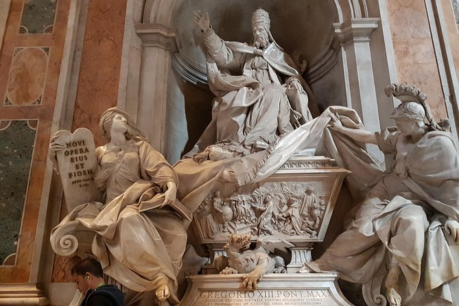Shore Excursion to Rome: Rome Fountains Squares and Vatican Museums - Full-Day Tour
