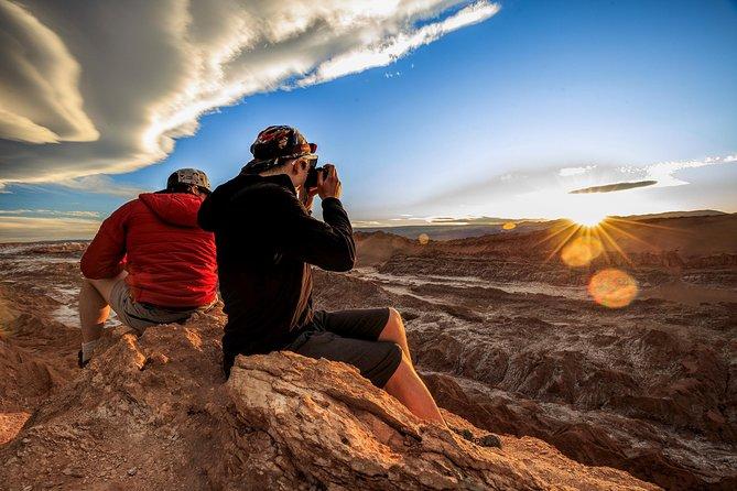 Atacama Express: 2-Day tour visiting Tatio Geysers & the Moon Valley