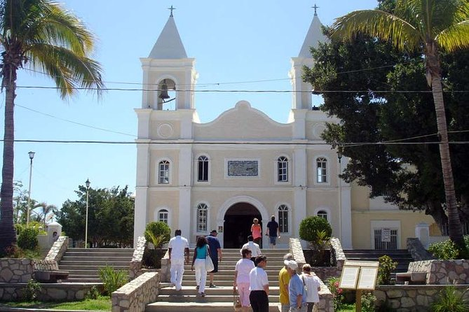 Experience the relaxed old fashion town of San Jose del Cabo!