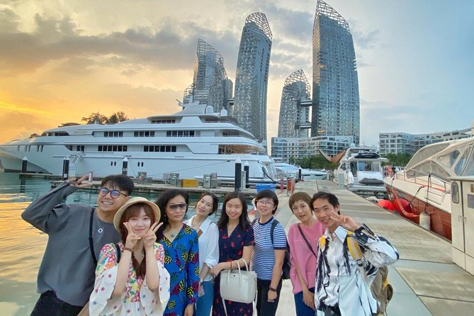 Singapore Sunset Cruise on Luxury Yacht