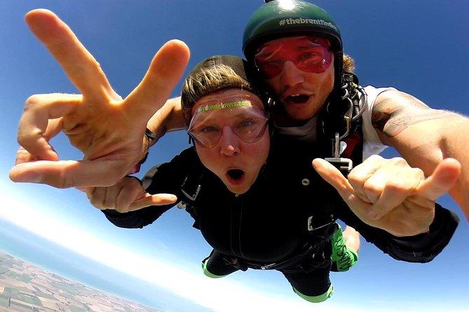 9.000 ft Tandem Skydive