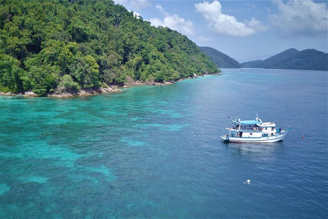 3 Day / 2 Nights Snorkeling Live-aboard to Surin Islands