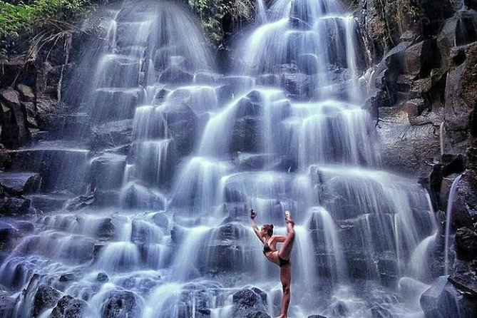 Bali Spektaculer waterfall - free wifi