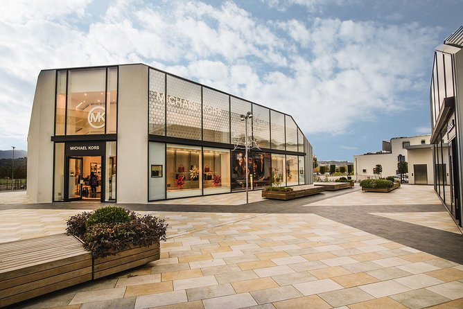 The Mall Luxury Outlet in Tuscany from Rome