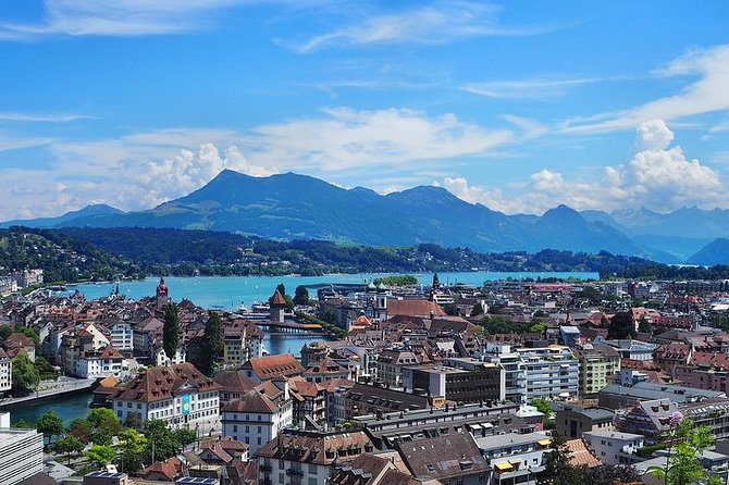 Private 2-hour Walking tour of Lucern with official tour guide
