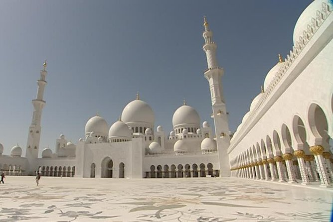 Full Day Abu Dhabi City & Louvre Museum Tour
