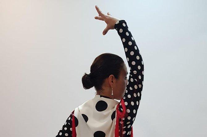 Flamenco Class Dancing & Tapa in Vejer (Cádiz)