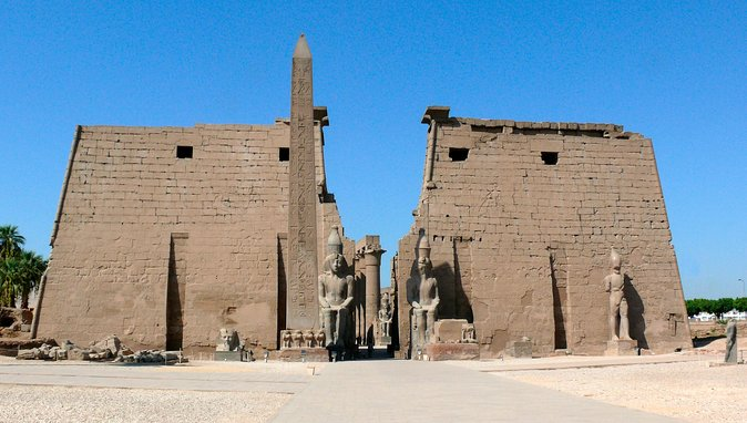 Day Tour to East and West Banks of Luxor