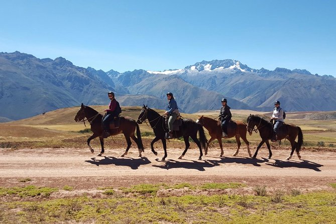 Horseback Riding in Cusco Inca Ruins, Perú