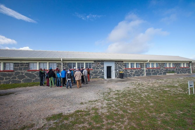 Robben Island tour Return transfers PLUS famous stops before or after tour photo 4