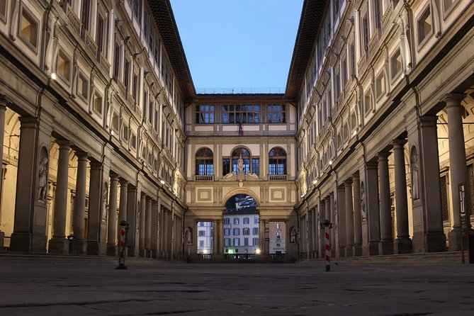 Guided tour to the secrets of the Uffizi Gallery photo 7