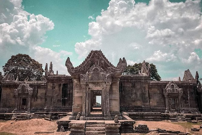 Adventure Tour to Beng Mealea , Koh Ker temple and Peah Vihear Temple