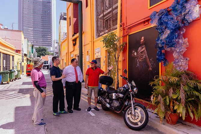 Vibrant Private Kampong Glam Tour: Street Art & History Tour photo 10