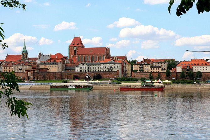 Private Transfer from Warsaw to Torun with 2h of Sightseeing