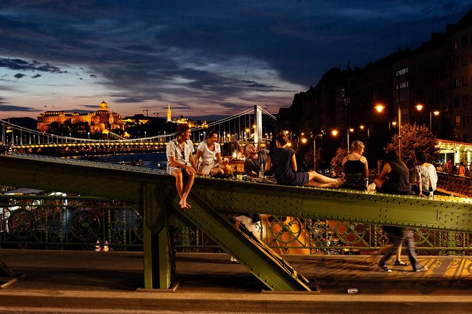 Private Vibrant Budapest Evening Tour: Hotspots & Local Life