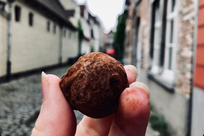 Small Group Chocolate Tour, with a local guide! (ENG)