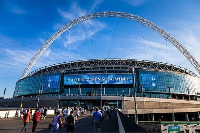 Private Round Trip Airport Transfer Heathrow to Wembley Stadium Hotels