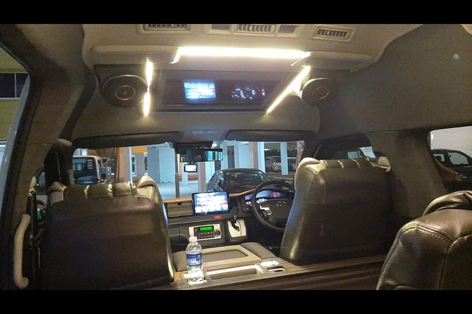 Minibus & Minivan 13 Seater Arrival / Transfer in Singapore