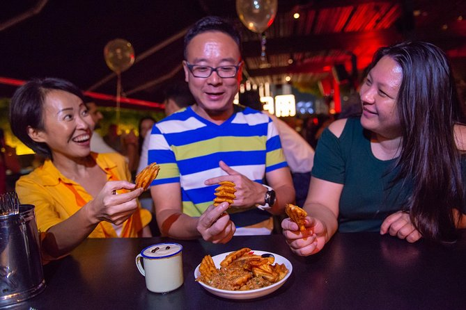 Singapore Private Nightlife Tour: Beers & Bars in Clarke Quay