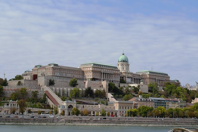 People, Power, Politics - Private tour in Budapest