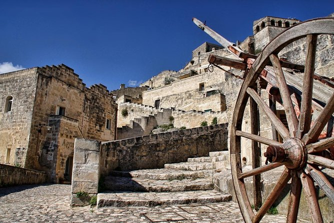 COMBO OFFER: 4 PRIVATE WALKING TOURS (Matera Alberobello Castel del Monte Lecce)