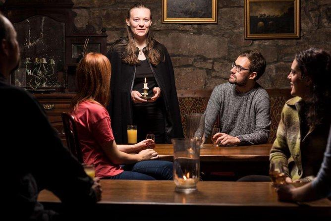 Excursão Noturna pela Cidade Antiga de Edimburgo, Incluindo Subterrâneos de Blair Street e Um Dram de Uísque no Megget's Cellar