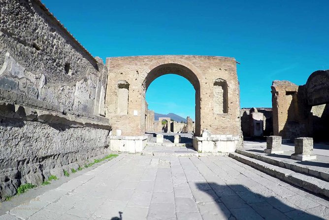 PRIVATE Mt VESUVIUS AND POMPEII - lunch and wine farm experience photo 2