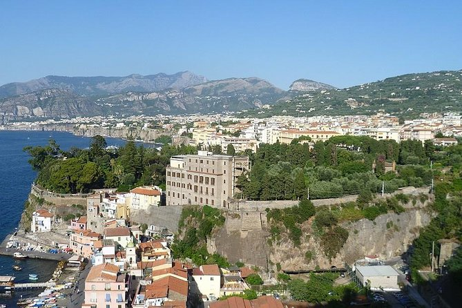Transfer from Sorrento to Rome with stop at Pompeii or Vice Versa