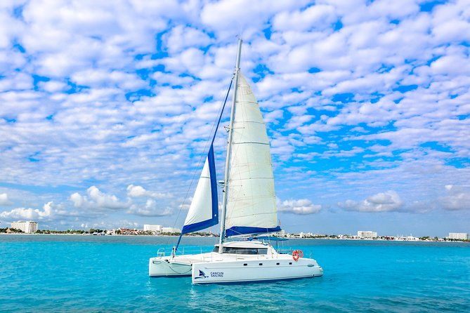 Private Isla Mujeres Catamaran Tour - 43 ft - For up to 35 people