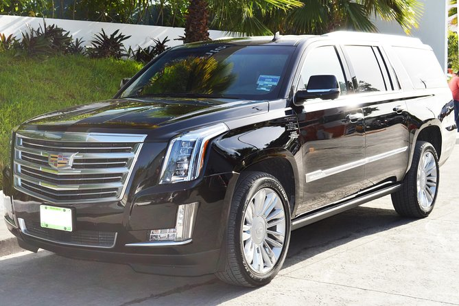 Private Arrival Luxury Transfer: Antigua Airport to Hotels (1 - 3)