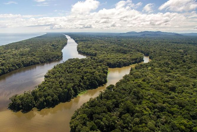 Multi-day all inclusive at Tortuguero with a tour at National Park from San Jose