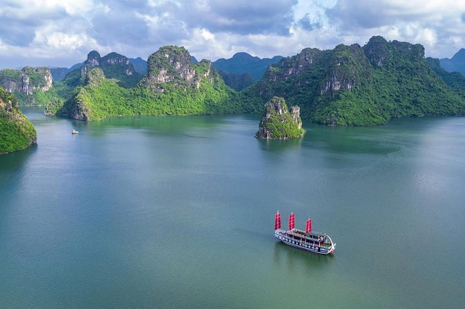 Amazing Sails - small group Luxury One Day Halong Bay 7 hours Cruising Limousine