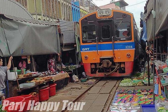 Floating Marker & Train Market Half Day Private Tour