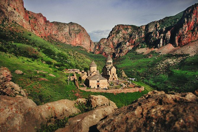 Trip to Khor Virap, Noravank Monasteries, Hin Areni Winery,