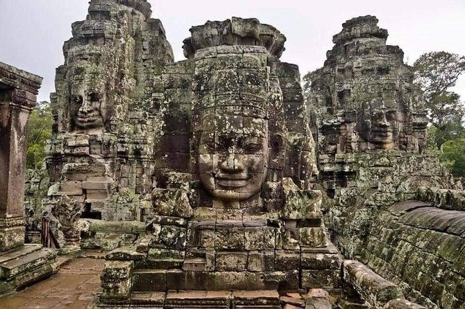 Amazing Sunrise Angkor Wat Small Tour with English Speaking Guide