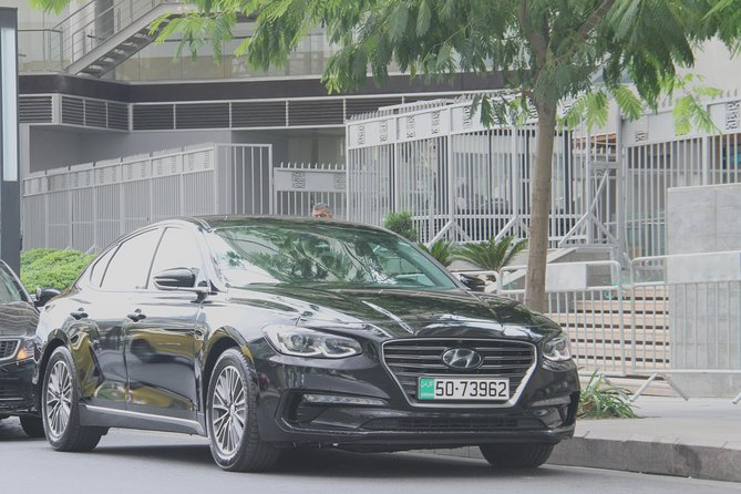 luxury Hyundai Azera With Driver photo 6