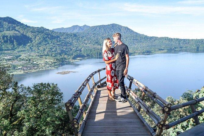 Bali : Sekumpul Waterfall, Handara Gate, Bratan Lake, All ticket Inclusive