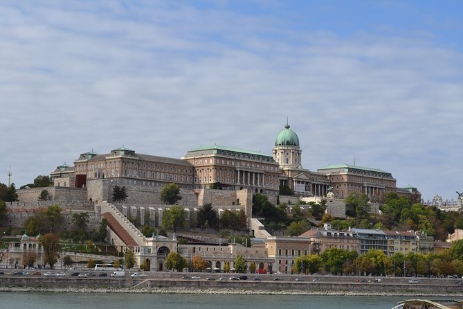 Buda Castle Private Tour + tickets to the Matthias Church are included photo 8
