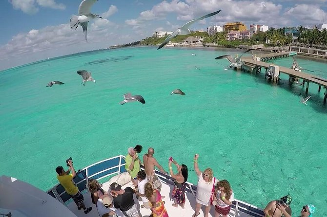 Tour Catamaran Isla Mujeres Unlimited from Cancun (Includes Transportation)