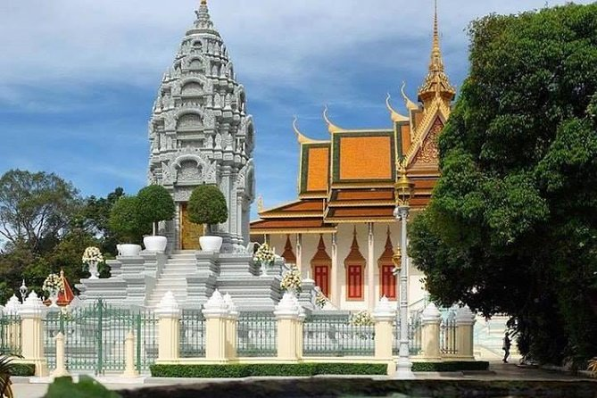 Full-Day Phnom Penh Small Group City Tours
