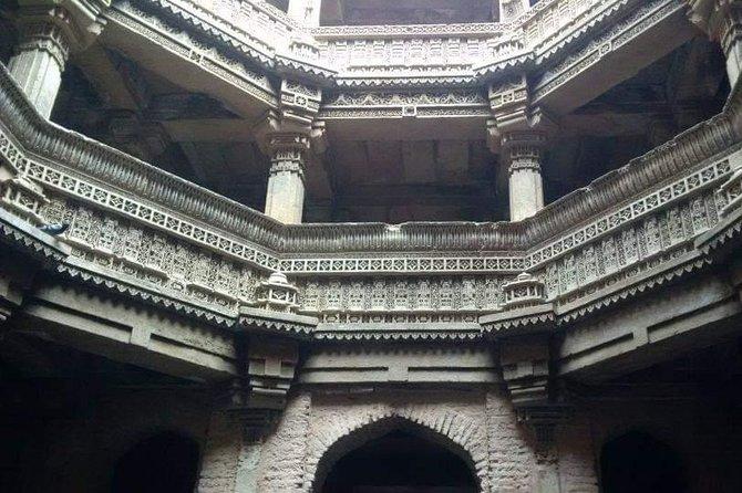 Excursión privada de un día a Ahmedabad con guía y entradas
