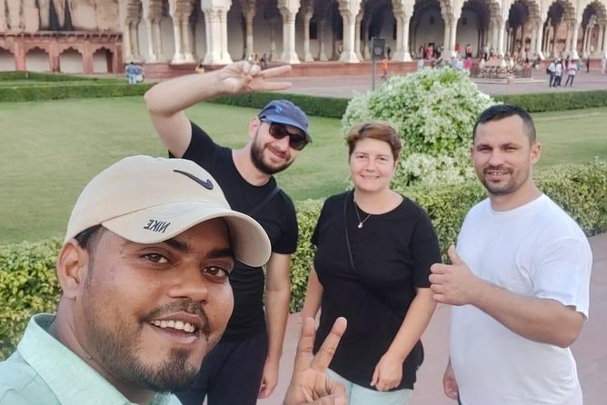 Day tour to Taj Mahal & Agra fort from Delhi,5 star hotel lunch included . photo 62