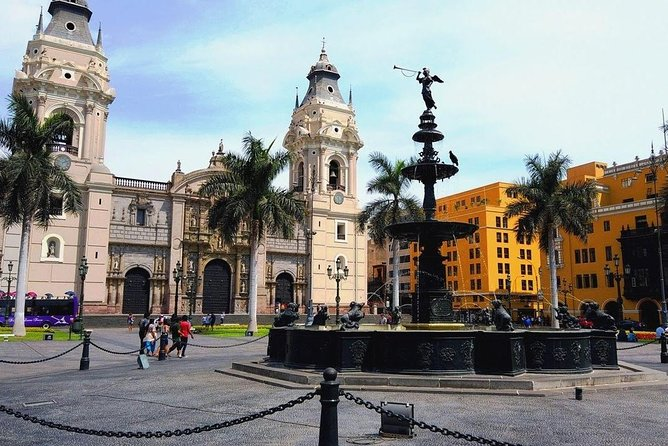 Lima City Tour + Magical Water Circuit + Dinner Show and Peruvian Horse