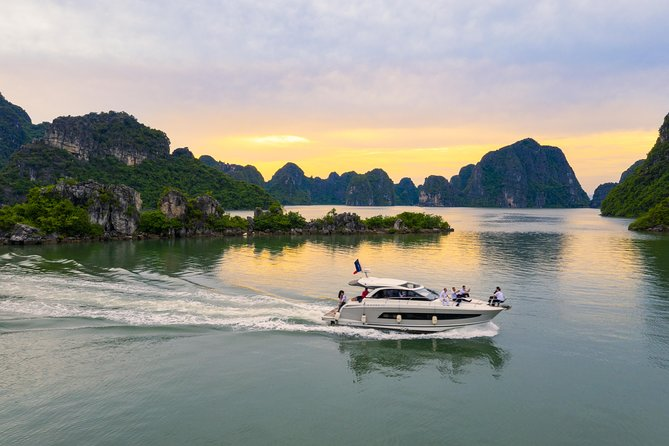Distinctive Experience on Private Yachts (NC14) - Ha Long Discovery