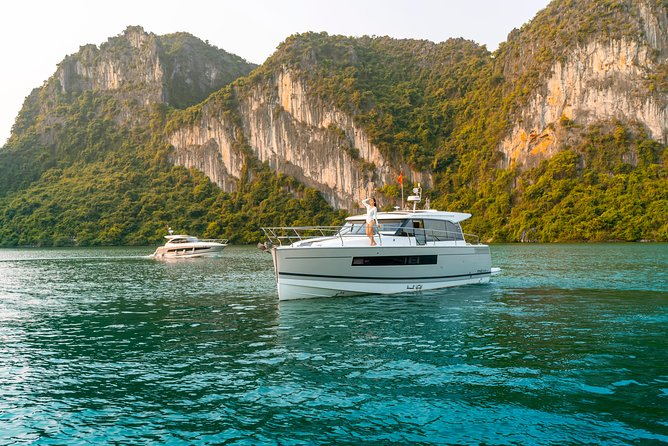 Mysterious Discovery on Private Yacht (NC14) - Ha Long Bay Discovery