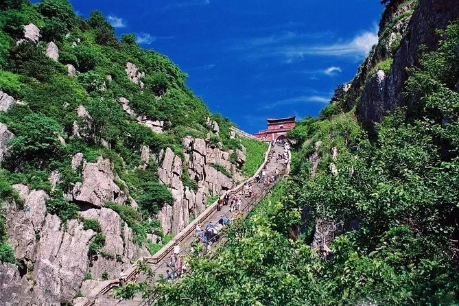 Mount Tai Private Day Trip from Nanjing by Bullet Train with Cable Car Ride