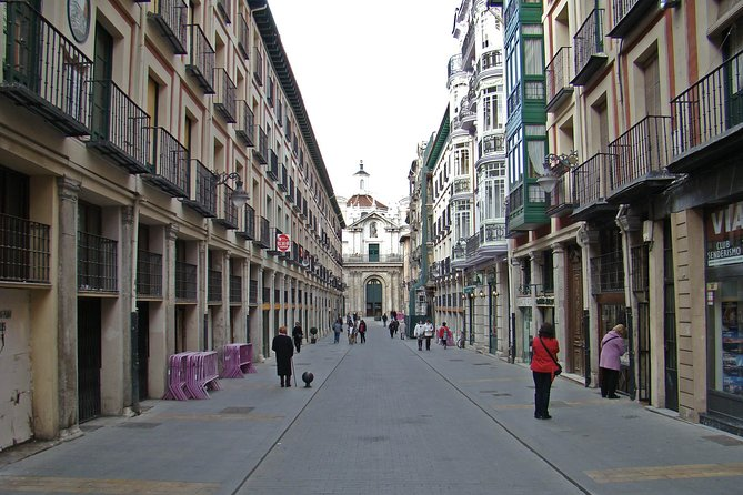 Valladolid & Segovia - Small group and hotel pick up from Madrid