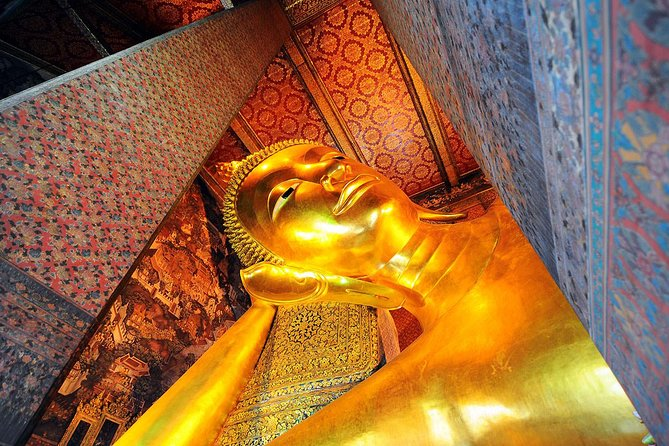 Selfie Bangkok City Tours including stopover at Famous Temples